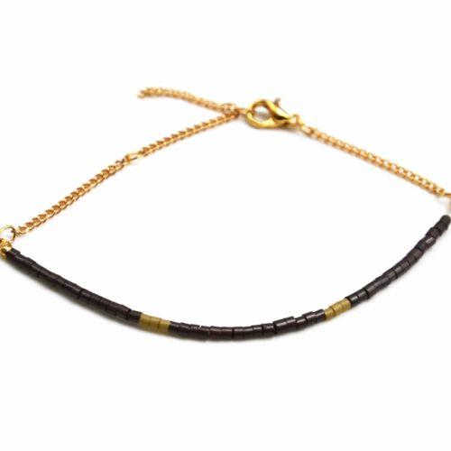Bracelet-Fine-Rangee-Perles-de-Rocaille-Marron-et-Chaine-Doree