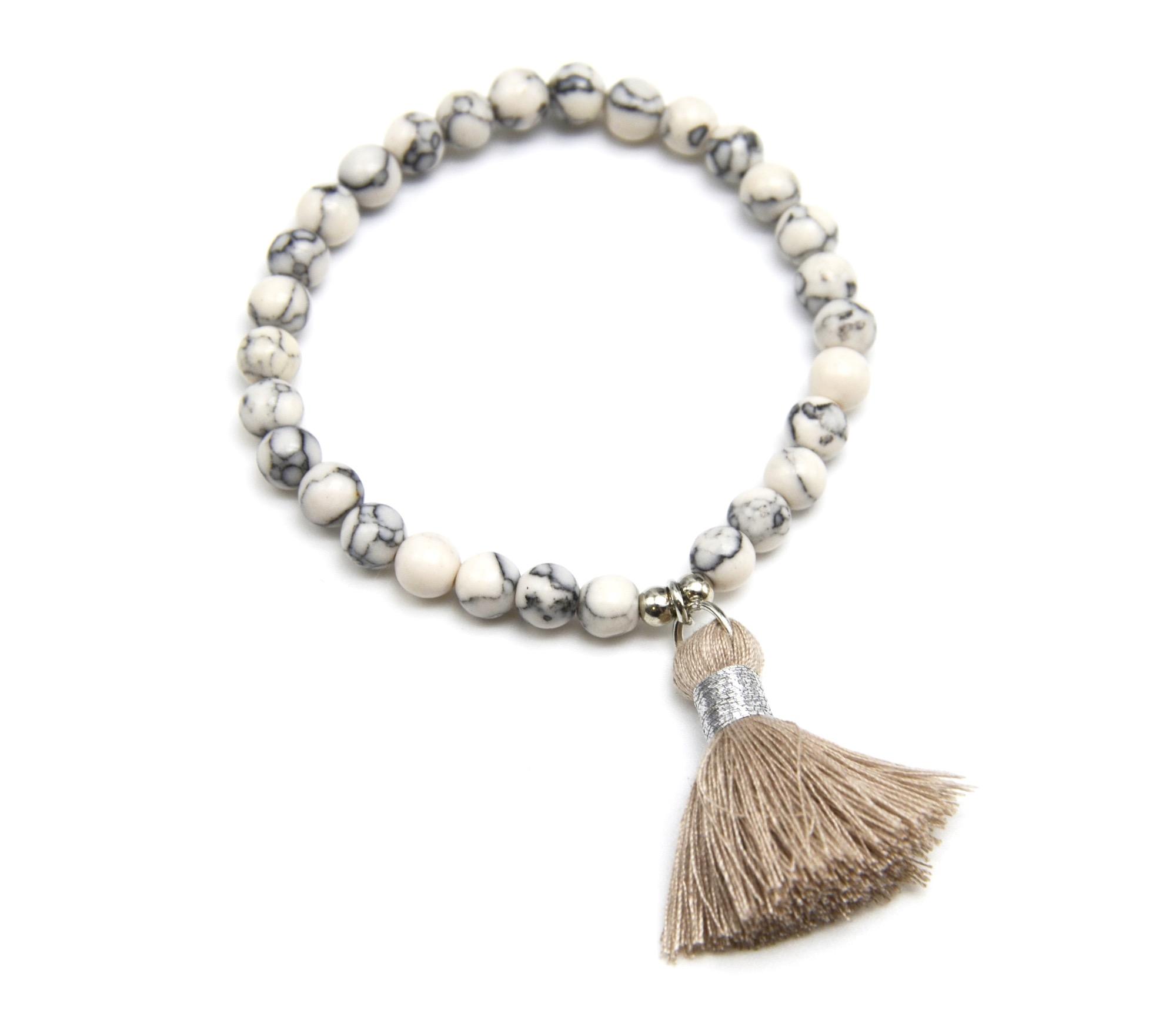 bc1706f bracelet elastique perles effet marbre avec charm pompon taupe oh my shop. Black Bedroom Furniture Sets. Home Design Ideas
