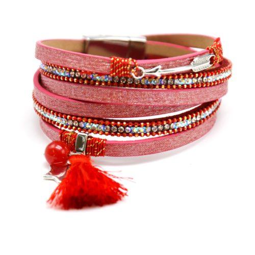 Bracelet-Double-Tour-Multi-Rangs-Brillants-Strass-avec-Charms-Fleche-Etoiles-et-Pompon-Rouge