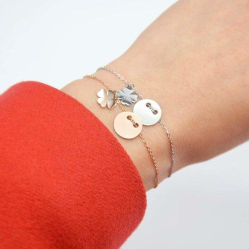 Bracelet-Fine-Chaine-avec-Charm-Medaille-et-Trefle-Acier