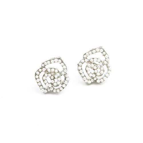 Boucles-dOreilles-Fleur-Ornee-de-Mini-Perles-Ecru