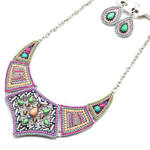 Parure-BOCollier-Plastron-Pointe-Metal-Cisele-Argente-et-Decor-Pierres-Perles-Multicolore