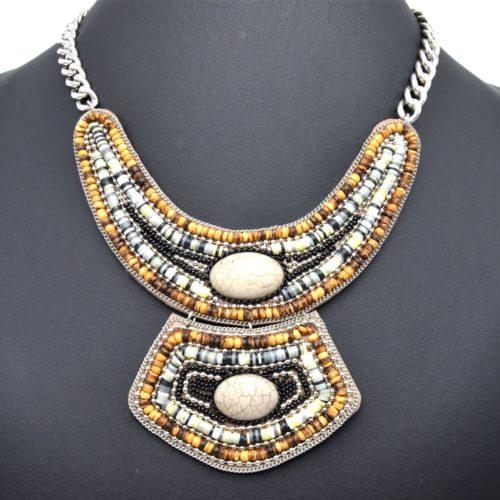 Collier-Plastron-Chaine-Metal-et-Pendentif-Pieces-Bois-Perles-Gris