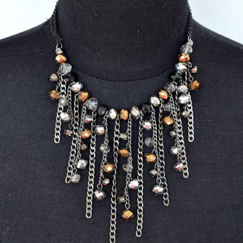 Collier-Plastron-Multi-Chaines-Metal-et-Perles-Facettes-NoirGrisTaupe