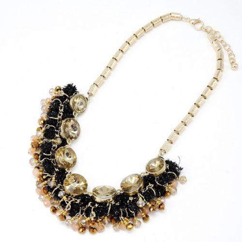 Collier-Plastron-Effet-Guirlande-avec-Perles-Facettes-BeigeDore