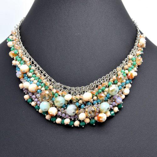 Collier-Plastron-Grappe-de-Perles-Facettes-Multicolore