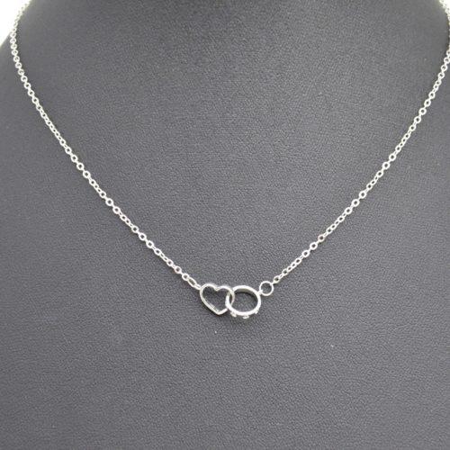 Collier-Fine-Chaine-Pendentif-Coeur-et-Cercle-Entrelaces-Metal-Argente
