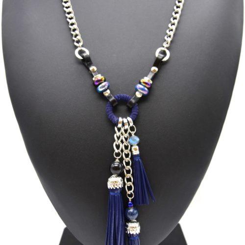 Sautoir-Collier-Chaine-Metal-Pendentif-Anneau-Feutrine-avec-Perles-et-Pompons-Franges-Bleu-Marine