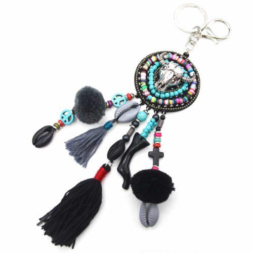 Porte-Cles-Bijou-de-Sac-Cercle-Buffle-Metal-Multi-Pieces-Perles-Turquoise-et-Pompons-Noir-Gris