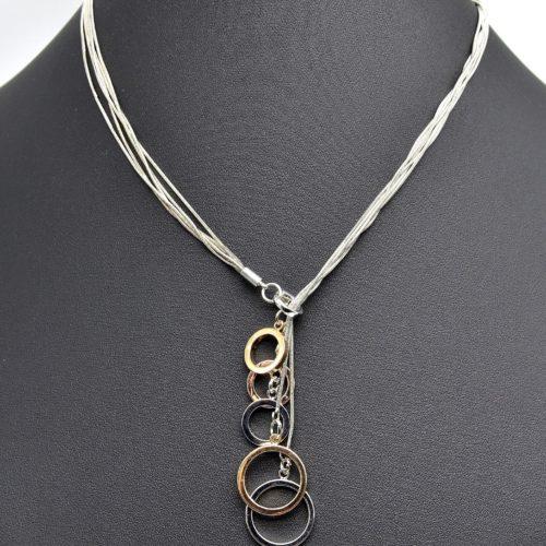 Collier-Multi-Chaines-et-Pendentif-Charms-Cercles-Tricolore