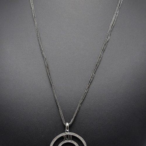 Sautoir-Collier-Multi-Chaines-Pendentif-Cadran-Chiffres-Romains-Contour-Strass-Metal-Gris