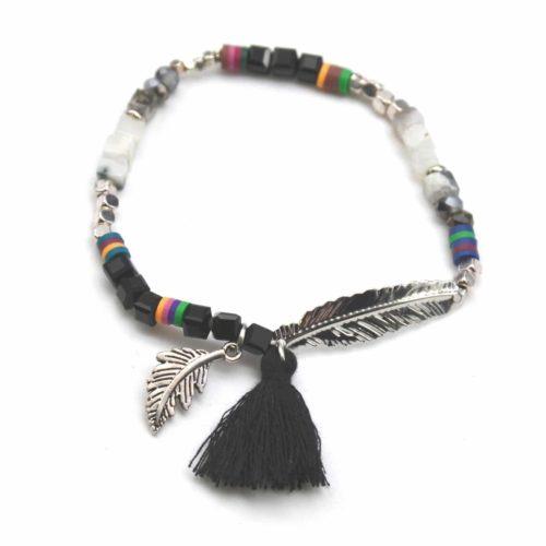 Bracelet-Elastique-Pierres-Marbre-et-Perles-avec-Plume-Ethnique-et-Pompon-Noir