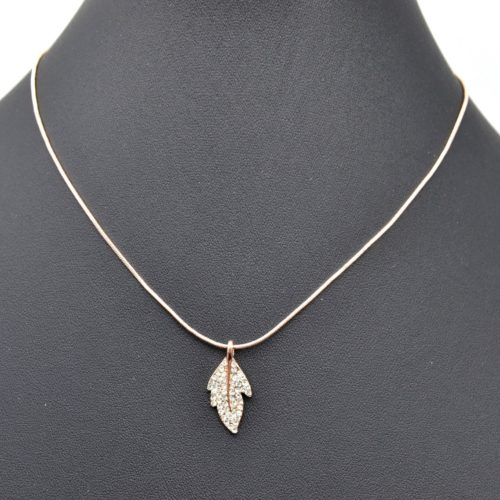 Collier-Pendentif-Feuille-Metal-Strass-Or-Rose