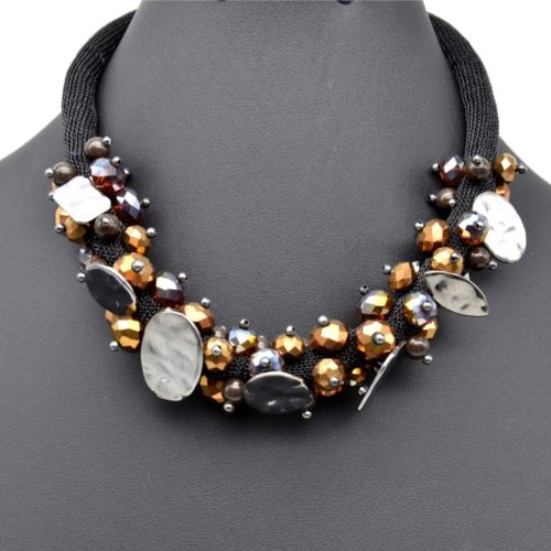Collier-Tour-de-Cou-Perles-Facettes-Marron-et-Pieces-Metal-Gris