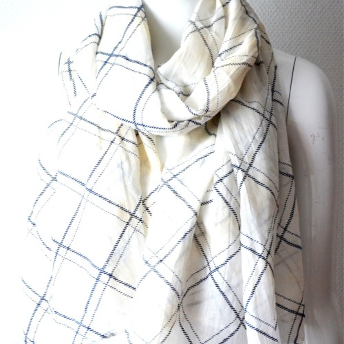 Foulard-Long-Printemps-Ete-Motif-Carreaux-Rayes-et-Degrade-de-Couleur-Beige