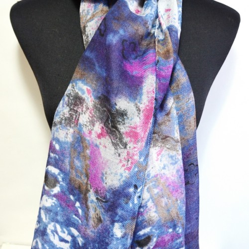 Foulard-Long-Printemps-Ete-Motif-Art-Graphique-et-Poesie-Bleu