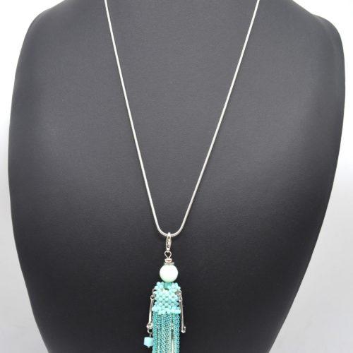 Sautoir-Collier-Pendentif-Poupee-Robe-Perles-et-Chaines-Metal-Turquoise