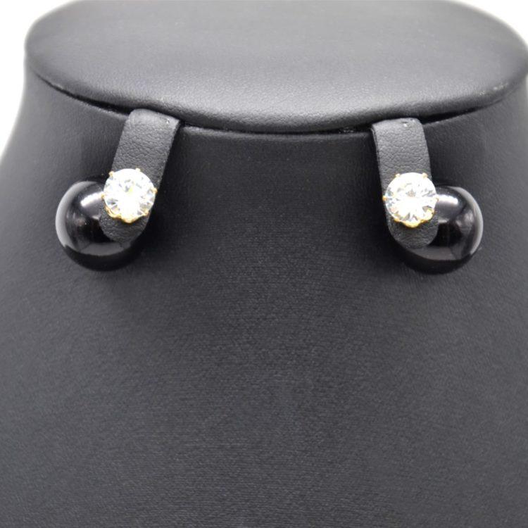 Boucles-dOreilles-Double-Mode-Pierre-Metal-Dore-et-Perle-Noire