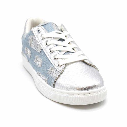 Baskets-Tennis-Sneakers-Toile-Effet-Jean-Denim-Clair-avec-Motif-Destroy-Sequins-et-Bouts-Ecailles-Argente