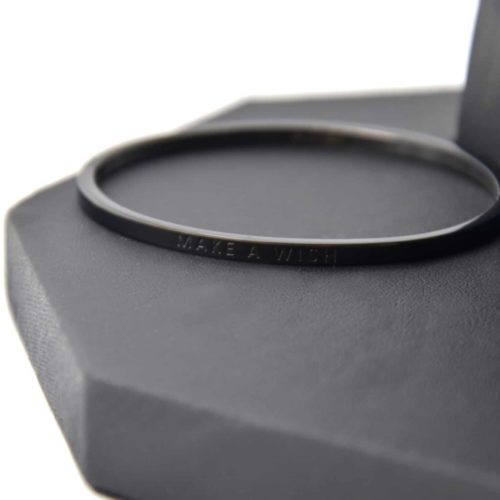 Bracelet-Jonc-Fin-Acier-Noir-avec-Message-Make-a-Wish