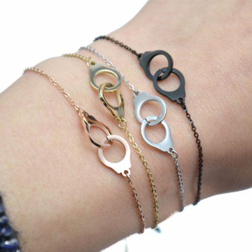 Bracelet-Fine-Chaine-avec-Charm-Menottes-Entrelacees-Acier