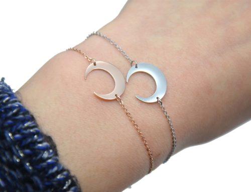 Bracelet-Fine-Chaine-avec-Charm-Corne-Lune-Acier