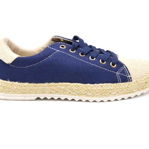 Baskets-Tennis-Sneakers-Effet-Jean-Denim-Bleu-Marine-avec-Surpiqures-Bouts-et-Semelle-Effet-Paille