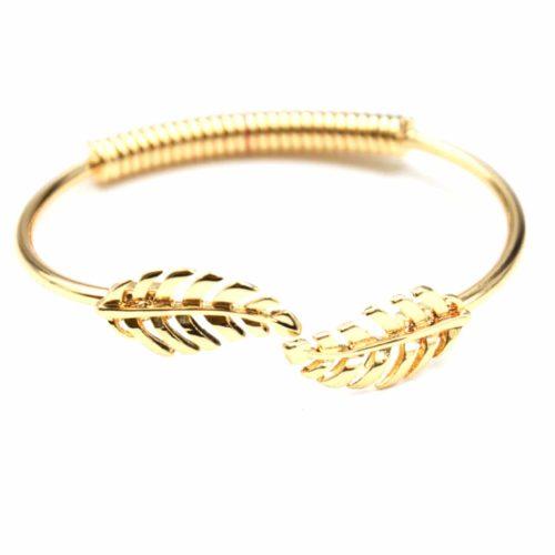 Bracelet-Jonc-Ouvert-avec-Double-Feuilles-Ajourees-et-Ressort-Metal-Dore