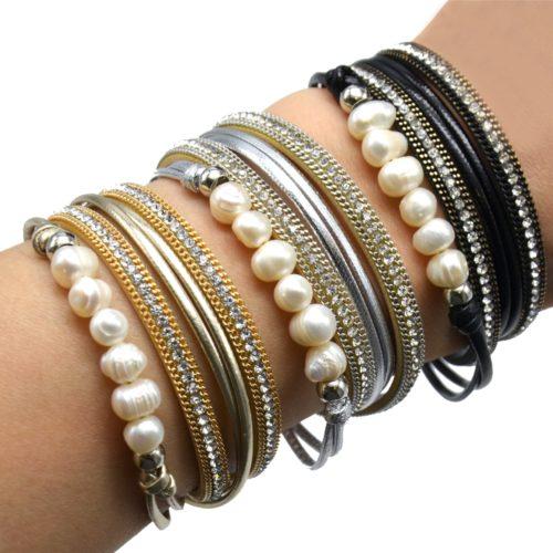 Bracelet-Double-Tour-Multi-Rangs-Simili-Cuir-Vernis-et-Chaines-avec-Strass-et-Perles-Ecru