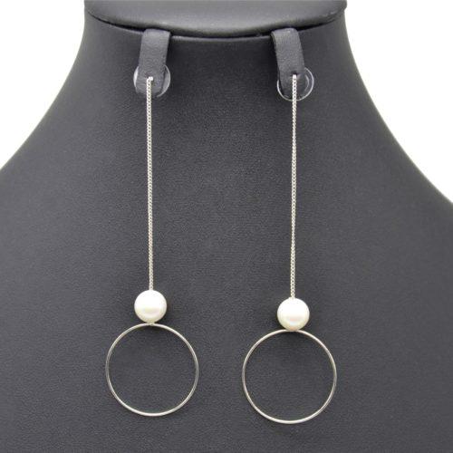 Boucles-dOreilles-Pendantes-Fine-Chaine-avec-Perle-Ecru-et-Cercle-Ouvert-Metal-Argente