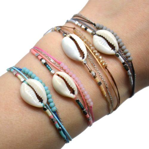 Bracelet-Multi-Rangs-avec-Charm-Cauri-Pierres-Perles-et-Chaine-Acier