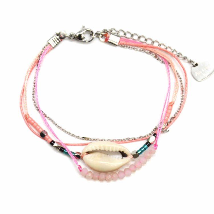 Bracelet-Multi-Rangs-avec-Charm-Cauri-Pierres-Roses-Perles-et-Chaine-Acier