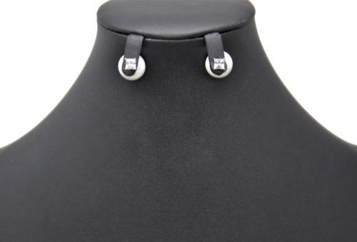 Boucles-dOreilles-Traversantes-Pierre-Carree-Zirconium-et-Metal-Argente-avec-Perle-Nacree-Blanc