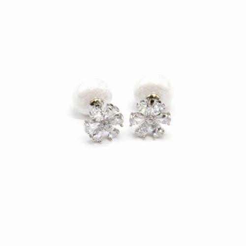 Boucles-dOreilles-Traversantes-Fleur-Pierres-Zirconium-et-Metal-Argente-avec-Perle-Nacree-Blanc