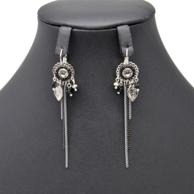 Boucles-dOreilles-Pendantes-Fleur-Pierre-et-Perles-Noires-avec-Multi-Charms-Ethnique-et-Chaines-Metal