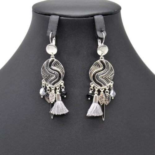 Boucles-dOreilles-Pendantes-Cercle-Metal-Relief-Argente-avec-Multi-Charms-et-Pompon-Gris