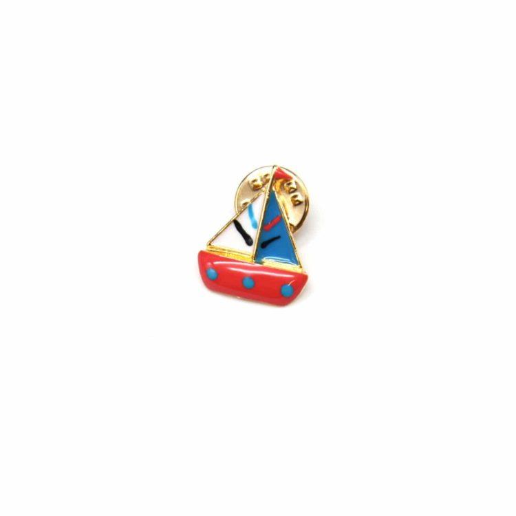 Mini-Broche-Pins-Bateau-Voilier-Multicolore-et-Metal-Dore