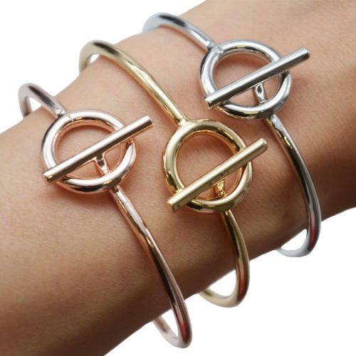 Bracelet-Jonc-Ouvert-avec-Cercle-Creux-et-Barre-Metal