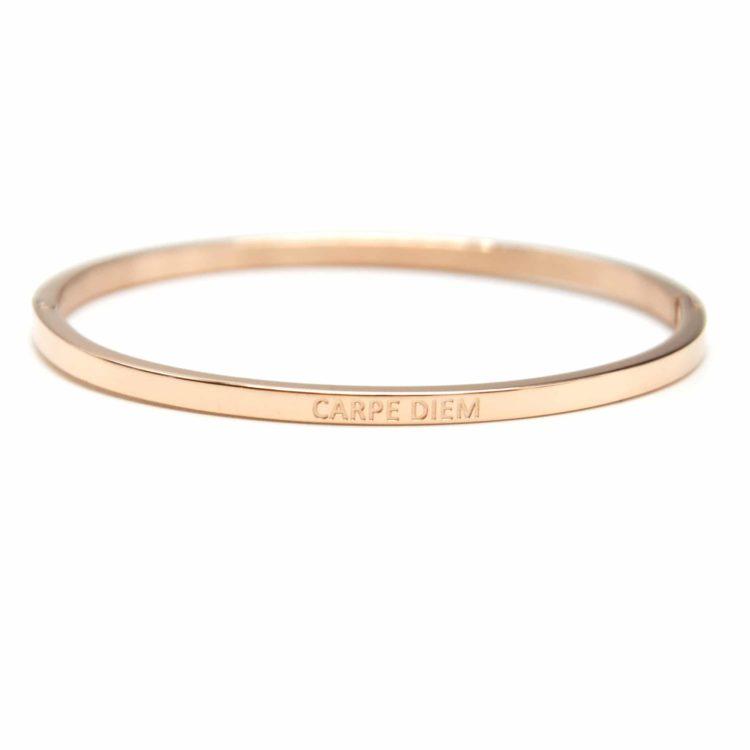 Bracelet-Jonc-Fin-Acier-Or-Rose-avec-Message-Carpe-Diem