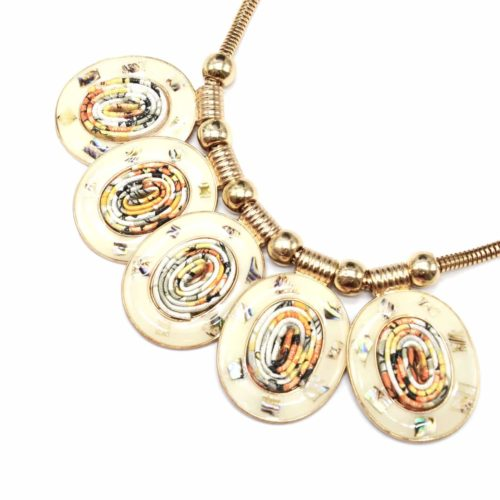 Collier-Plastron-Pendentif-Multi-Ovales-Email-Beige-Rubans-et-Metal-Dore