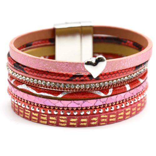 Bracelet-Manchette-Multi-Rangs-Python-Ecailles-Strass-Clous-et-Chaines-avec-Charm-Coeur-Corail