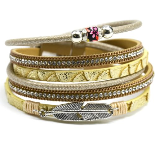 Bracelet-Double-Tour-Multi-Rangs-Croco-Satine-Strass-Chaines-avec-Charm-Plume-Ethnique-BeigeDore