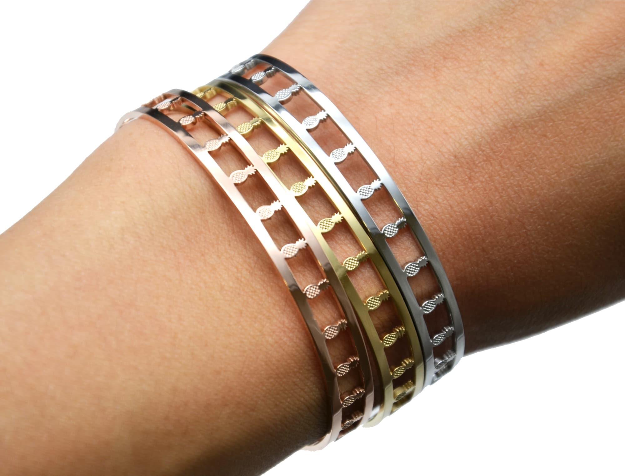 Bracelet Jonc Acier Doré avec Bande Ajourée Cactus et Fermoir Type ... BC2539F