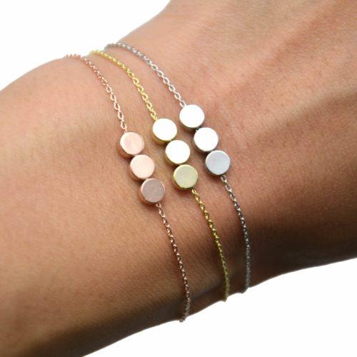 Bracelet-Fine-Chaine-avec-Charm-Triple-Cercles-Dore-a-lOr-Fin