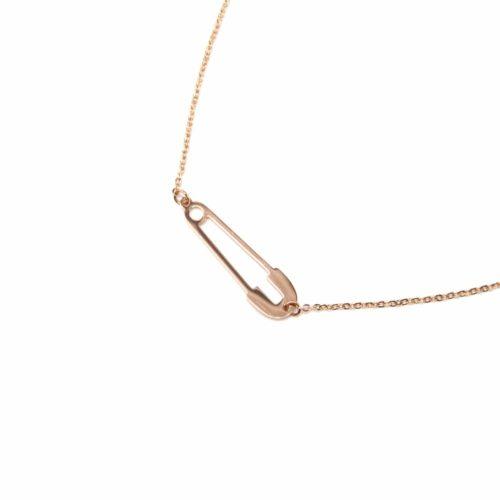 Collier-Fine-Chaine-Pendentif-Epingle-a-Nourrice-Contour-Acier-Or-Rose