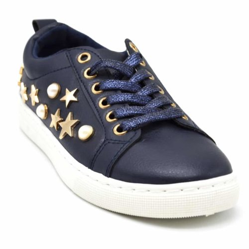 Baskets-Tennis-Sneakers-Simili-Cuir-avec-Perles-Ecru-et-Clous-Etoiles-Metal-Dore-Bleu-Marine