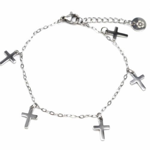 Bracelet-Fine-Chaine-avec-Multi-Charms-Croix-Acier-Argente