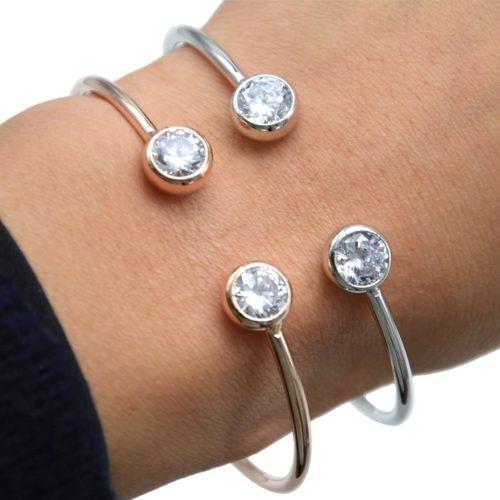 Bracelet-Jonc-Ouvert-avec-Pierres-Zirconium-et-Plaquage-Superieur
