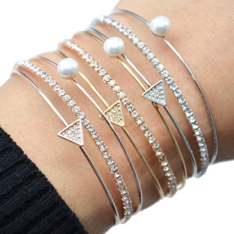 Bracelet-Jonc-Multi-Rangs-avec-Perle-Strass-et-Triangle-Metal