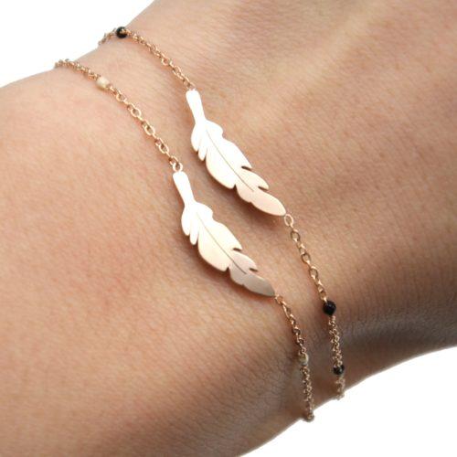 Bracelet-Fine-Chaine-Mini-Perles-Email-avec-Plume-Acier-Or-Rose